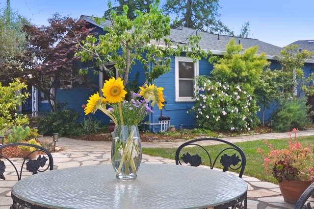 1696-1698 Cozy Ct, Santa Cruz, CA 95062 (#ML81848969) :: Real Estate Experts