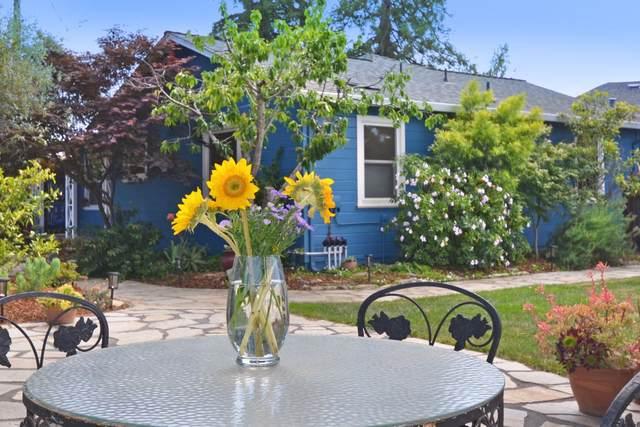 1696-1698 Cozy Ct, Santa Cruz, CA 95062 (#ML81849014) :: Paymon Real Estate Group
