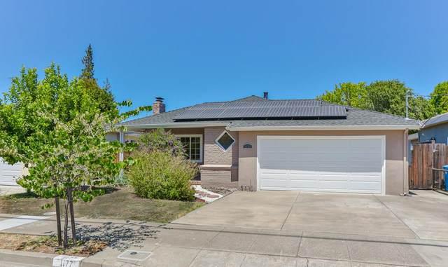 1177 Virginia Ave, Redwood City, CA 94061 (#ML81850286) :: The Kulda Real Estate Group