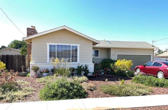 1016 Maple Ave, Greenfield, CA 93927 (#ML81851124) :: The Kulda Real Estate Group