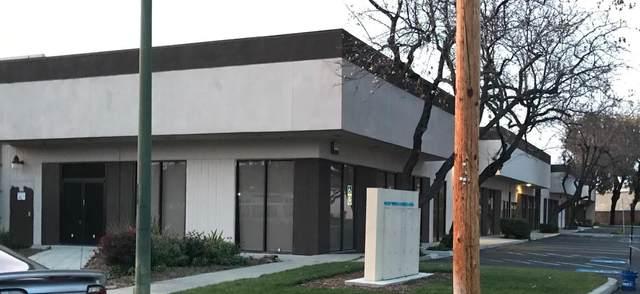 1060 Terra Bella Ave, Mountain View, CA 94043 (#ML81851310) :: The Gilmartin Group