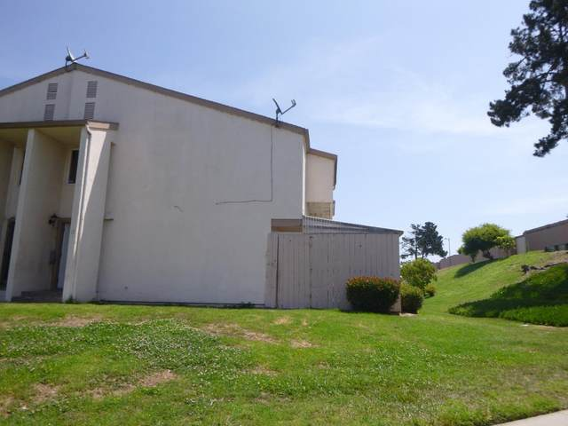 915 Acosta Plz 11, Salinas, CA 93905 (#ML81855288) :: The Gilmartin Group