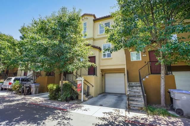 236 San Antonio Pl, San Jose, CA 95116 (#ML81855484) :: The Goss Real Estate Group, Keller Williams Bay Area Estates