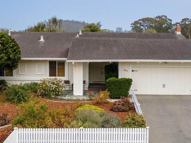 2001 Bordeaux Ln, Half Moon Bay, CA 94019 (#ML81855863) :: The Kulda Real Estate Group
