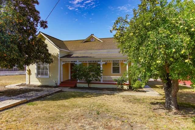 1001 First St, San Juan Bautista, CA 95045 (#ML81855932) :: Real Estate Experts