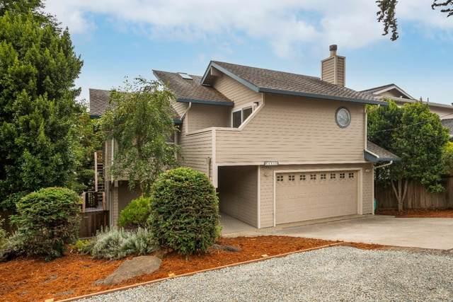646 Columbus St, El Granada, CA 94018 (#ML81856709) :: The Kulda Real Estate Group