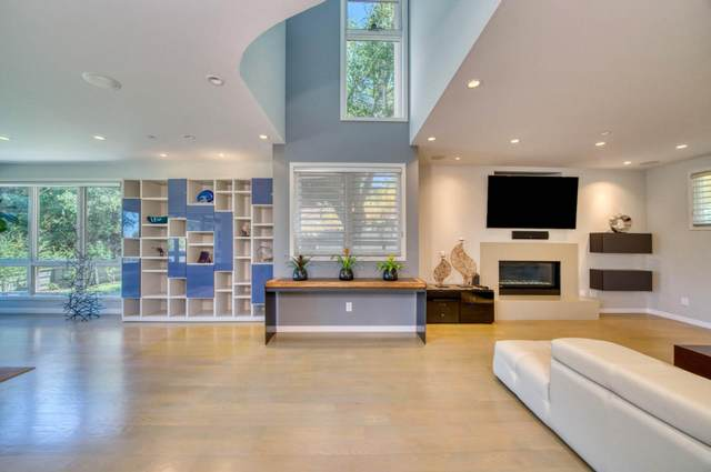 1028 Lakeview Way, Redwood City, CA 94062 (#ML81856779) :: The Kulda Real Estate Group