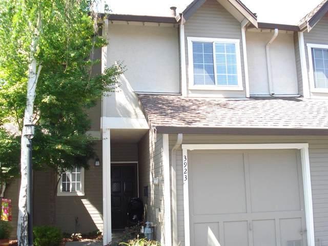 3923 Vine St, Pleasanton, CA 94566 (#ML81856864) :: The Kulda Real Estate Group