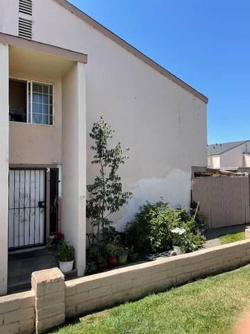 914 Acosta Plz 37, Salinas, CA 93905 (#ML81857082) :: The Gilmartin Group