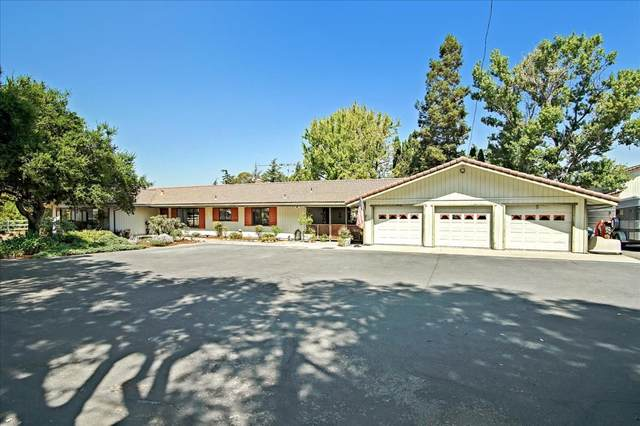 280 Lone Tree Rd, Hollister, CA 95023 (#ML81858980) :: Olga Golovko