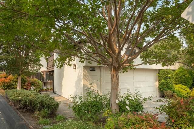 2483 Sharon Oaks Dr, Menlo Park, CA 94025 (#ML81859362) :: The Sean Cooper Real Estate Group