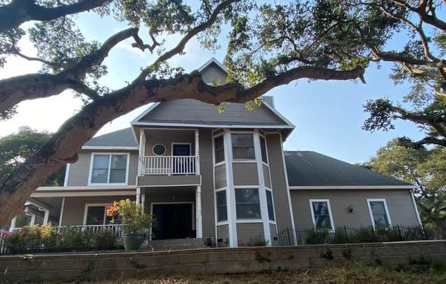 8861 Holly Hill Dr, Salinas, CA 93907 (#ML81860286) :: The Kulda Real Estate Group