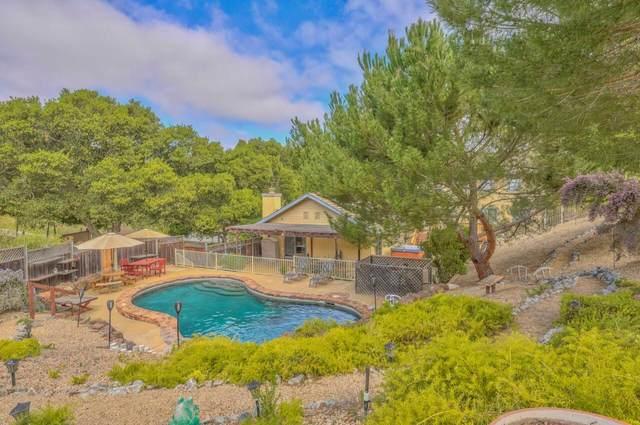 15849 Pleasant Valley Ln, Salinas, CA 93908 (#ML81861560) :: Alex Brant