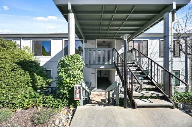 2200 Pine Knoll Drive 9, Walnut Creek, CA 94595 (#ML81863693) :: Robert Balina | Synergize Realty