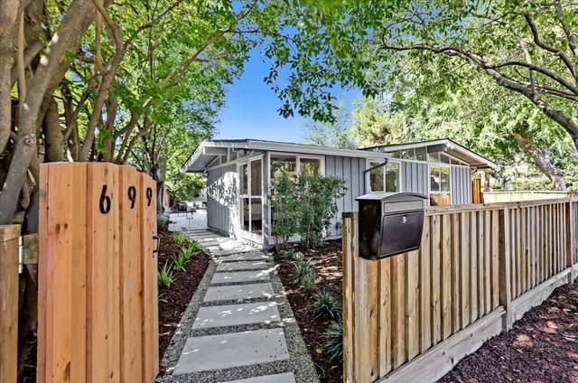 699 Ashton Ave, Palo Alto, CA 94306 (#ML81863890) :: Intero Real Estate