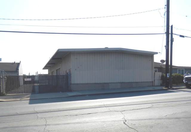 231 Kern St, Salinas, CA 93905 (#ML81864139) :: The Kulda Real Estate Group