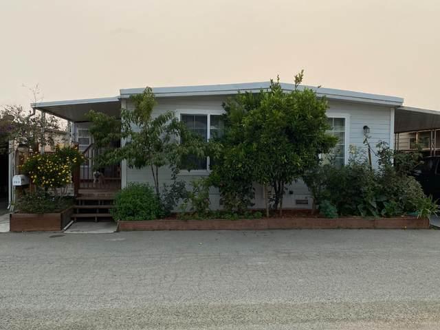 49 Blanca 906, Watsonville, CA 95076 (#ML81864314) :: The Kulda Real Estate Group
