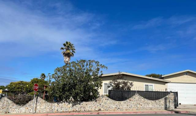 1800 Flores St, Seaside, CA 93955 (#ML81864901) :: The Kulda Real Estate Group
