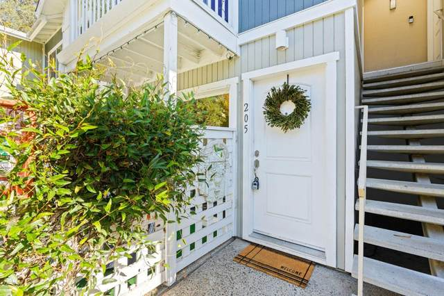 755 14th Ave 205, Santa Cruz, CA 95062 (#ML81865152) :: The Sean Cooper Real Estate Group