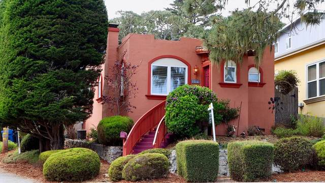 881 Lighthouse Ave, Pacific Grove, CA 93950 (#ML81866021) :: Paymon Real Estate Group