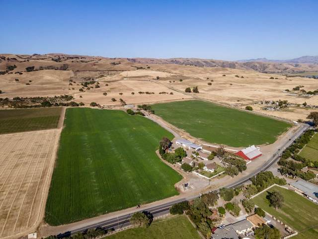 3665 Pacheco Pass Hwy, Gilroy, CA 95020 (#ML81866129) :: The Sean Cooper Real Estate Group