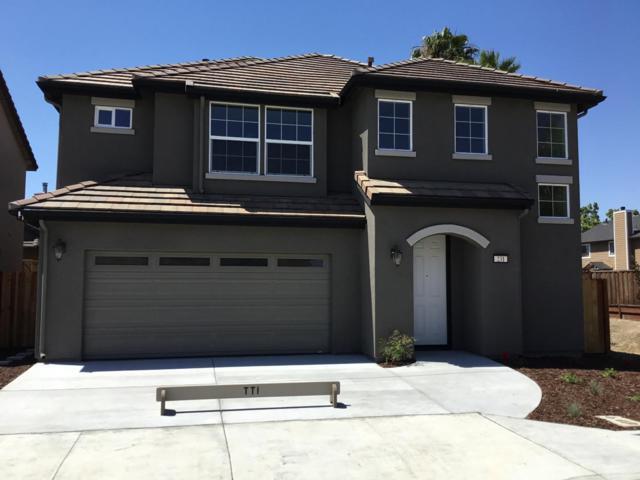 231 Slate Ave, Hollister, CA 95023 (#ML81671055) :: The Kulda Real Estate Group