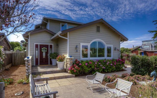 208 Kelly Ave, Half Moon Bay, CA 94019 (#ML81678269) :: The Kulda Real Estate Group