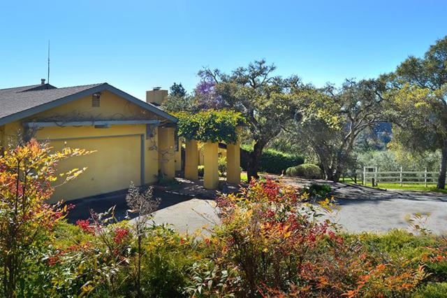 867 Calabasas Rd, Watsonville, CA 95076 (#ML81696086) :: The Dale Warfel Real Estate Network