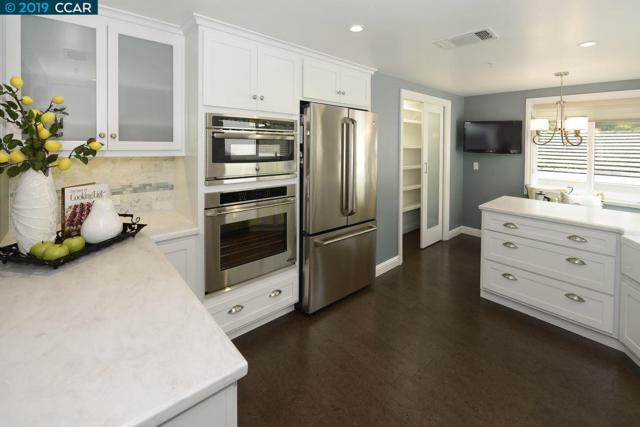 4320 Terra Granada Dr, Walnut Creek, CA 94595 (#CC40857773) :: The Kulda Real Estate Group