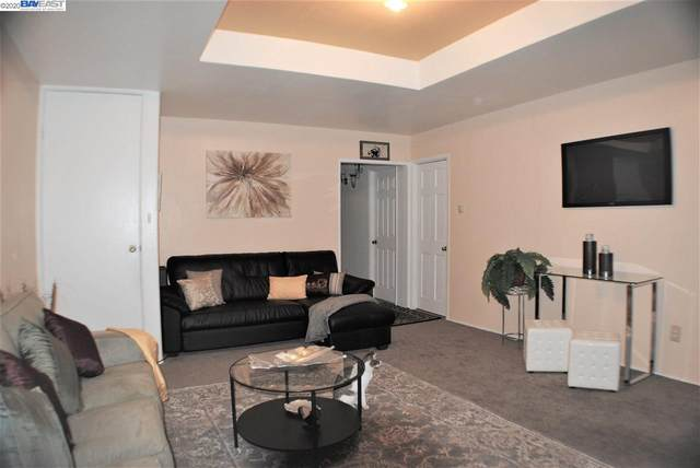 695 10th Street, Oakland, CA 94607 (#BE40930936) :: Schneider Estates