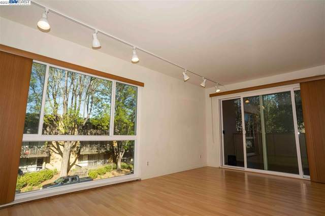 1033 Crestview Drive 201, Mountain View, CA 94040 (#BE40940269) :: Real Estate Experts