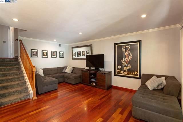 2700 Oak Rd 13, Walnut Creek, CA 94597 (#BE40949002) :: Real Estate Experts