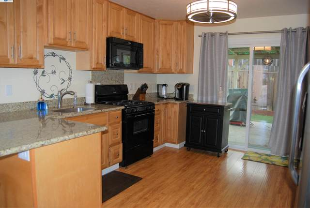 919 Haven Ave, Redwood City, CA 94063 (#BE40970718) :: The Gilmartin Group
