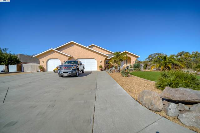 80 Agua Verde Dr., Red Bluff, CA 96080 (#BE40971550) :: The Kulda Real Estate Group