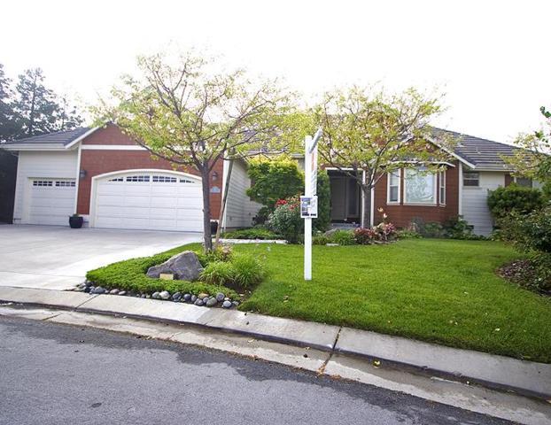 25 Cheri Ct, Hollister, CA 95023 (#ML81701676) :: The Goss Real Estate Group, Keller Williams Bay Area Estates
