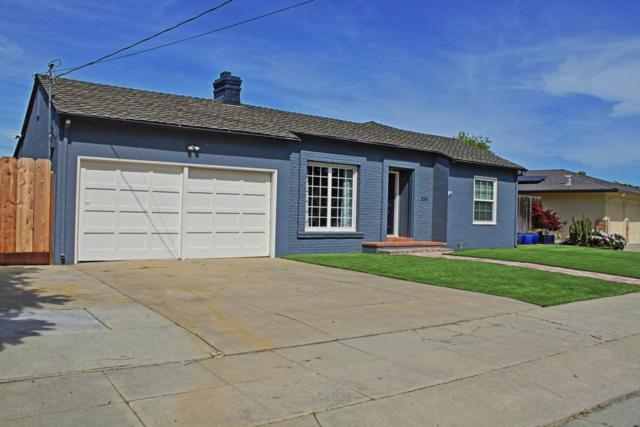 330 Lorimer St, Salinas, CA 93901 (#ML81704132) :: Strock Real Estate