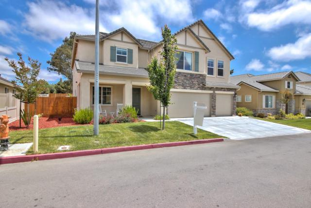 1061 Cypress St, Hollister, CA 95023 (#ML81706111) :: Intero Real Estate