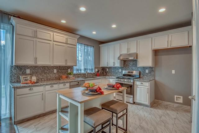 2220 Bridgeton Way, Stockton, CA 95212 (#ML81739900) :: The Kulda Real Estate Group