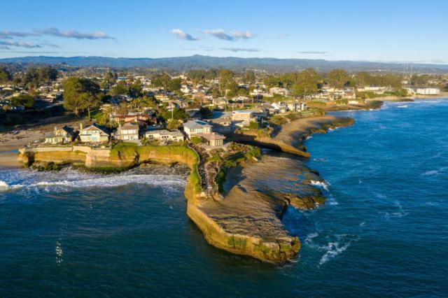 90 Geoffroy Dr, Santa Cruz, CA 95062 (#ML81743773) :: The Kulda Real Estate Group