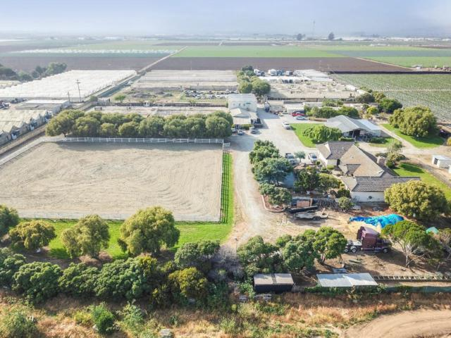 24000 Potter Rd, Salinas, CA 93908 (#ML81750253) :: The Warfel Gardin Group