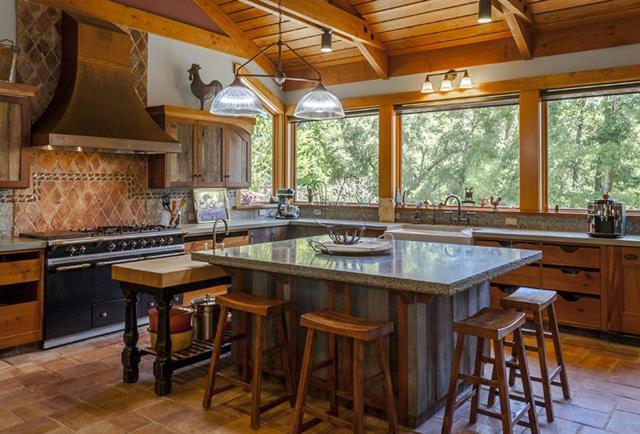 265 Portola State Park Rd, La Honda, CA 94020 (#ML81762061) :: RE/MAX Real Estate Services