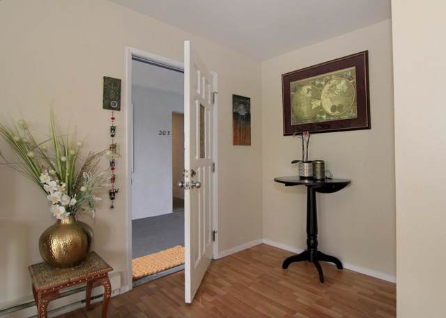815 Balboa Ave 202, Capitola, CA 95010 (#ML81774576) :: Schneider Estates