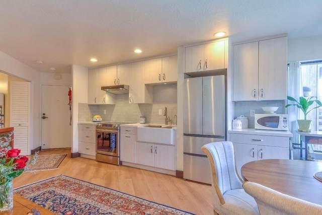 125 Surf Way 338, Monterey, CA 93940 (#ML81783250) :: The Kulda Real Estate Group