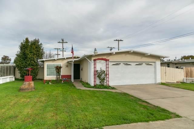 111 Marigold Way, Salinas, CA 93905 (#ML81783725) :: Real Estate Experts