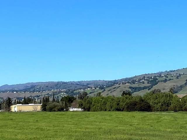 905 E San Martin Ave, San Martin, CA 95046 (#ML81789154) :: Live Play Silicon Valley