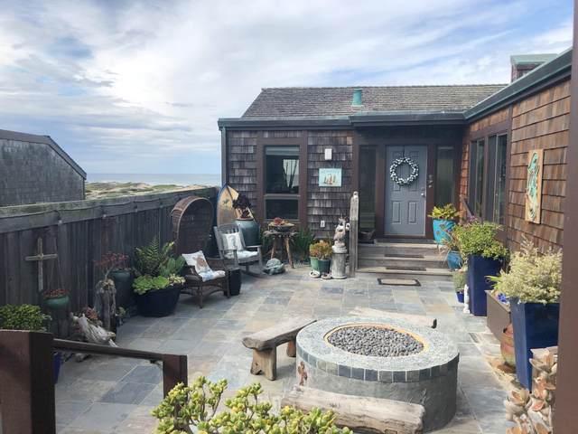 328 Monterey Dunes Way, Moss Landing, CA 95039 (#ML81797276) :: Strock Real Estate