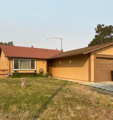 418 Calaveras Way, Greenfield, CA 93927 (#ML81806569) :: Alex Brant