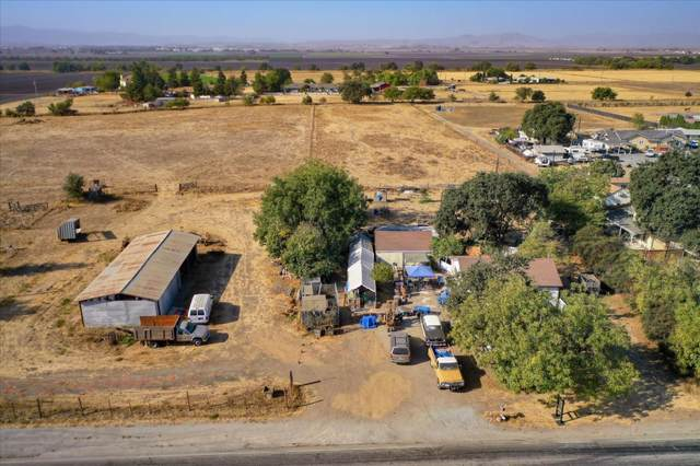 6520 Fairview Rd, Hollister, CA 95023 (#ML81809919) :: The Realty Society