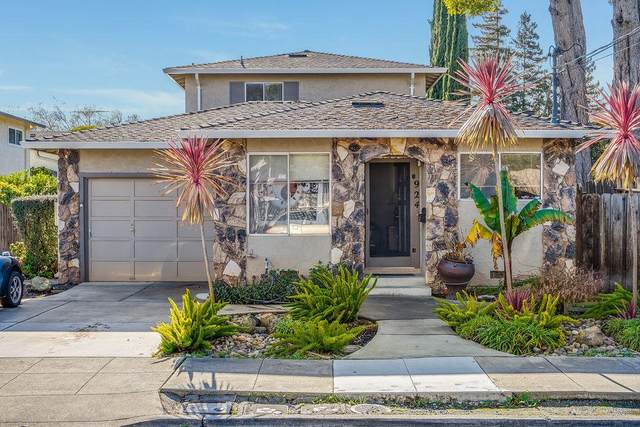 924 Cleveland St, Redwood City, CA 94061 (#ML81828046) :: The Goss Real Estate Group, Keller Williams Bay Area Estates