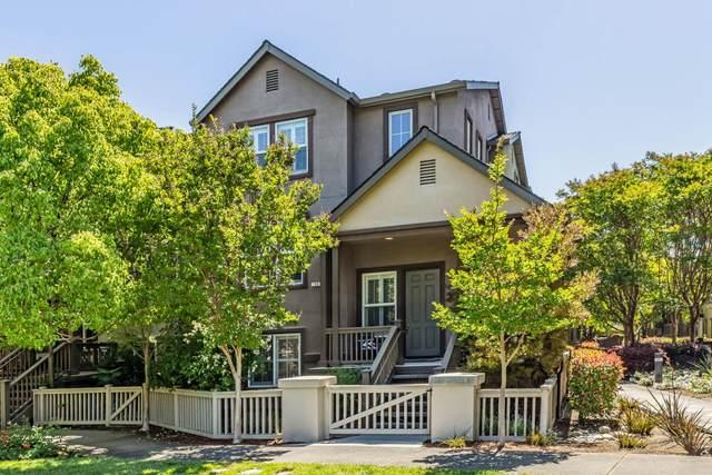 40 Wellington Ct, Mountain View, CA 94040 (#ML81847081) :: Schneider Estates